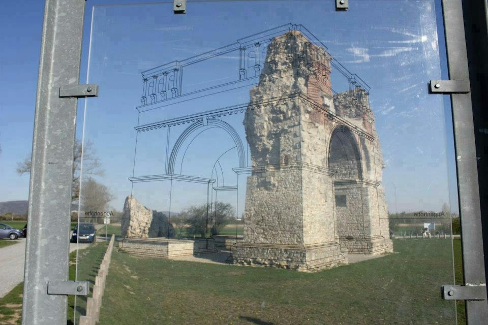 Clever Way to Show Old Ruins