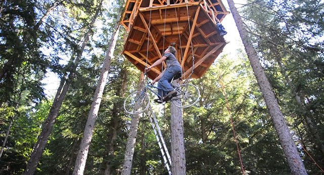 Bicycle Powered Tree-house Elevator